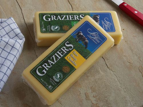 Picture of Graziers Raw Sharp Cheddar