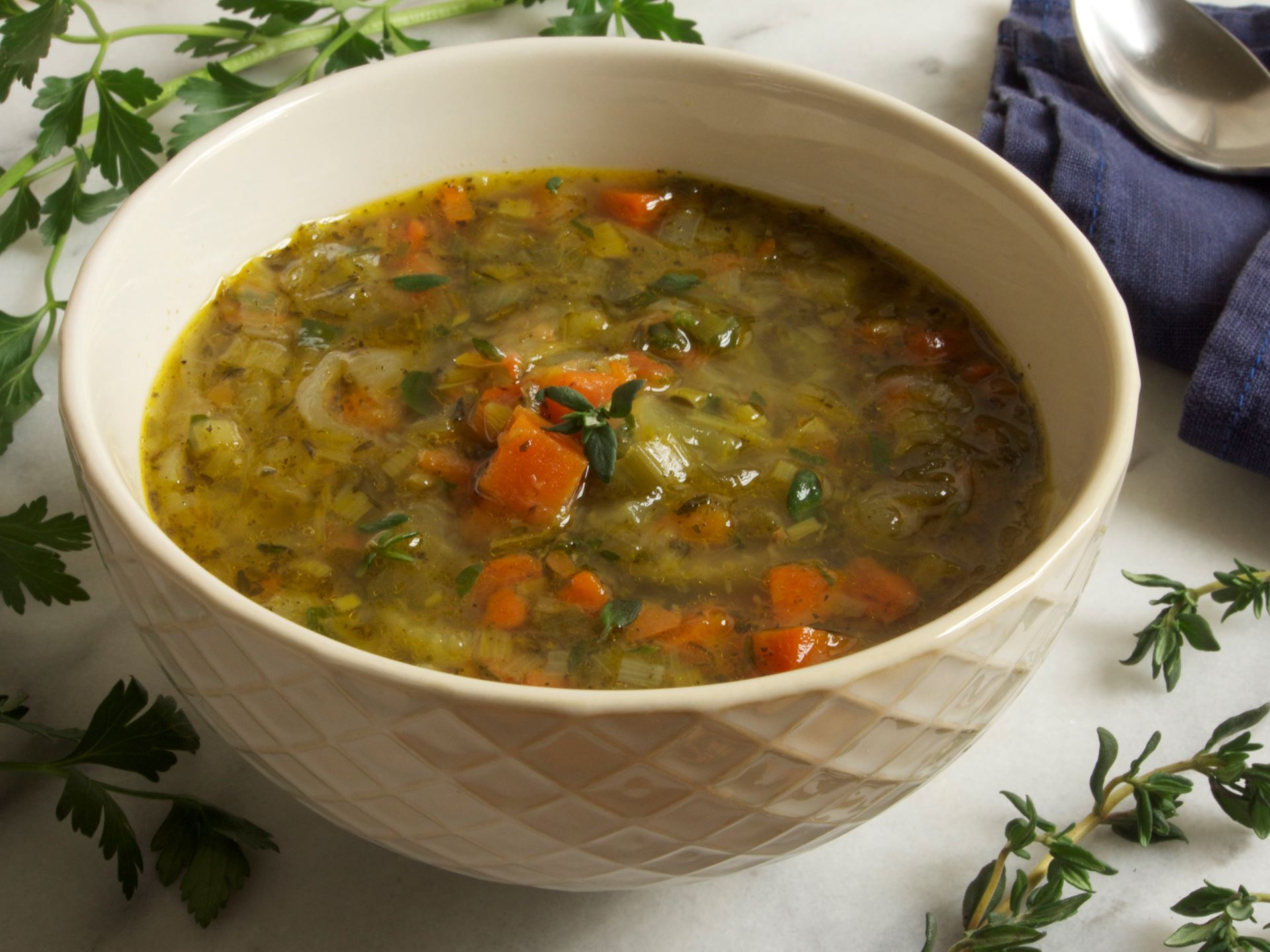 Picture of Essential Vegetable Soup with Chicken Broth -- 22 oz