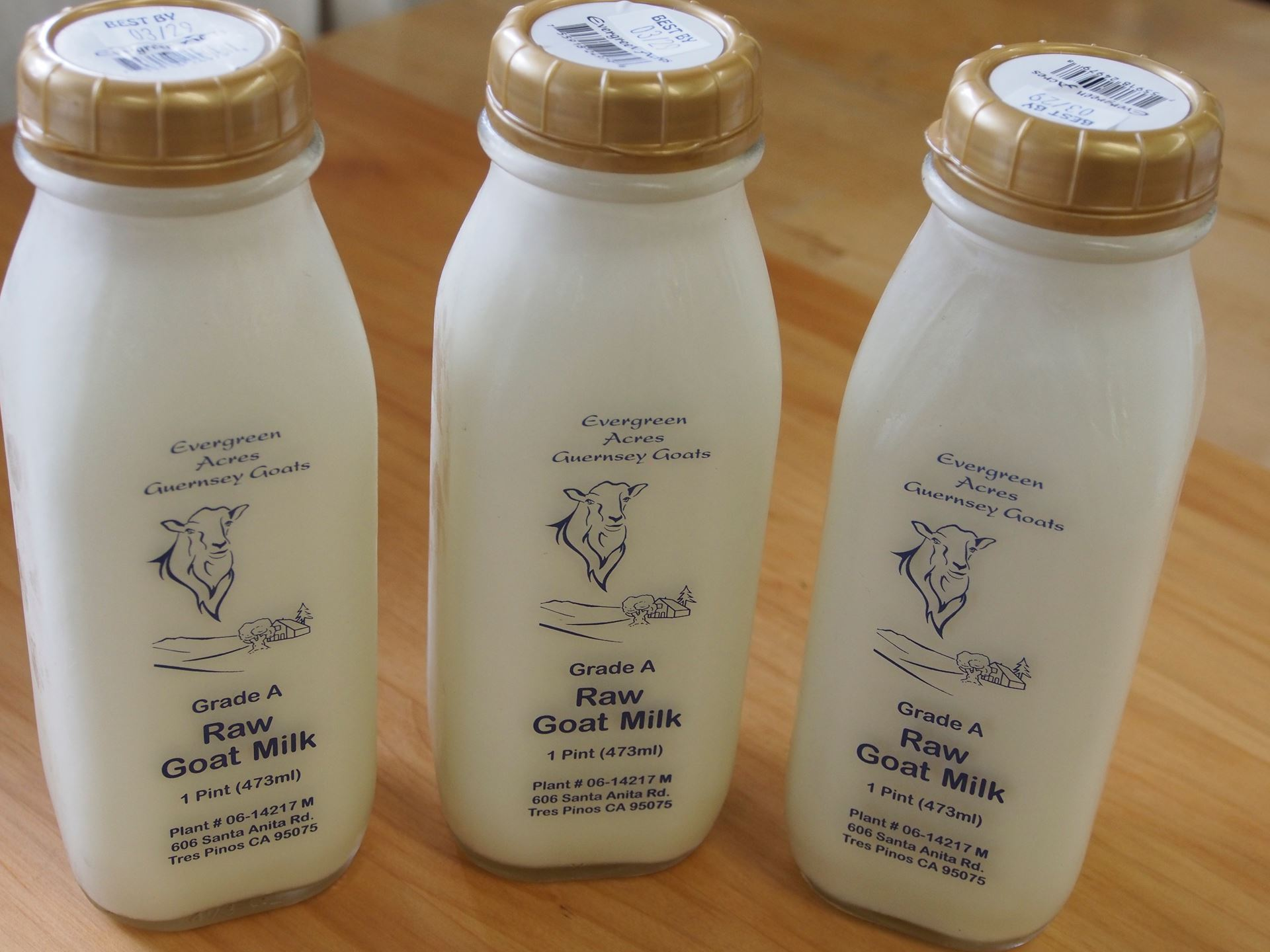 Picture of Evergreen Acres Raw Goat Milk Pint